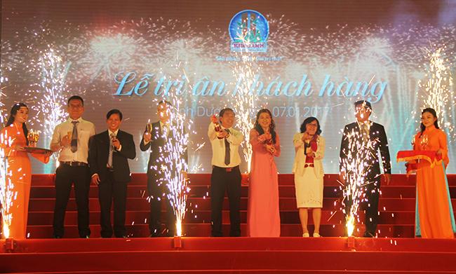 Địa Ốc Kim Oanh tri ân quà tặng trị giá 15.5 tỷ đồng cho Khách hàng năm 2016